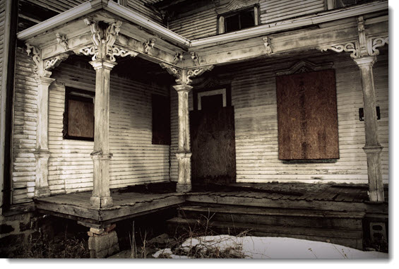 dilapidated-house-in-Michigan
